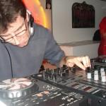 Lodola play Deep Funk !